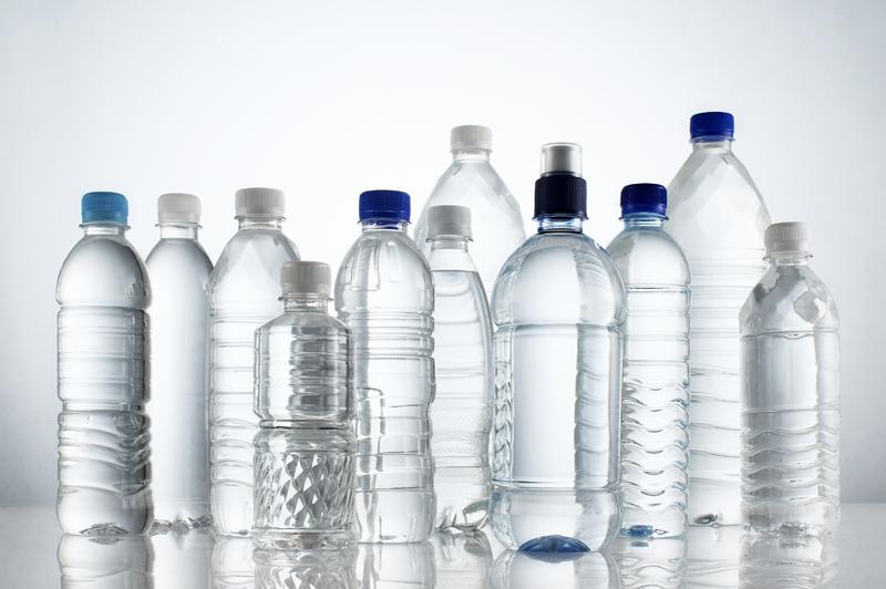 Нельзя повторно пить из пластиковых бутылок