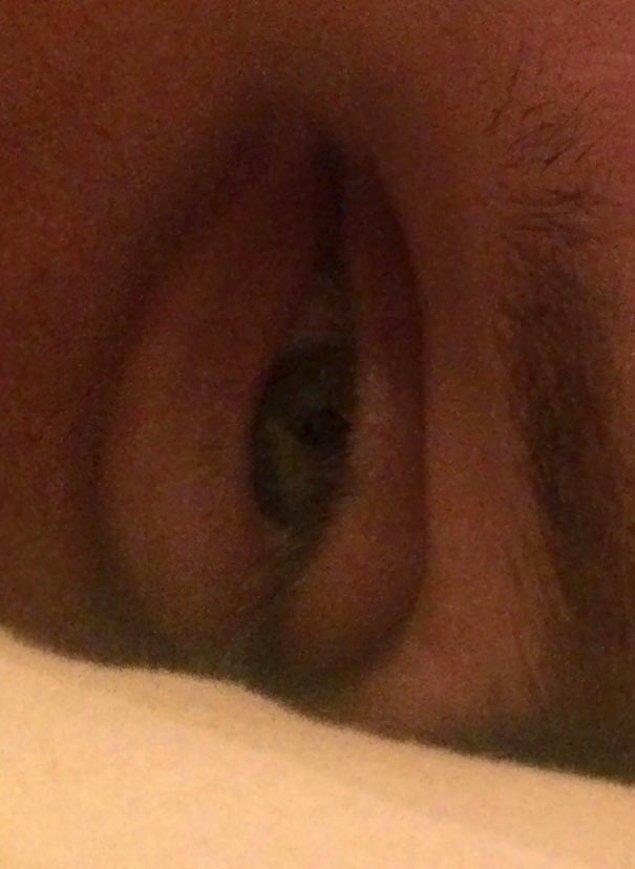 """""""Жена сказала, что когда я устаю, мои глаза становятся похожими на две вагины. Я ей не верил, пока она не прислала мне это фото"""""""