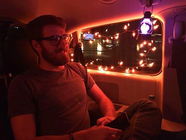 «Мой водитель Uber разрешил своим внукам украсить машину к Хэллоуину» 🎃