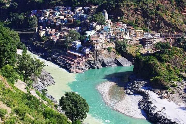 10 удивительных мест, где встречаются два течения