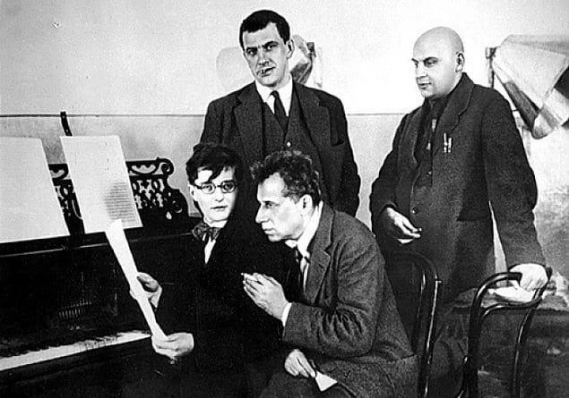 4 гения: Шостакович, Мейерхольд, Маяковский, Родченко, 1929 год