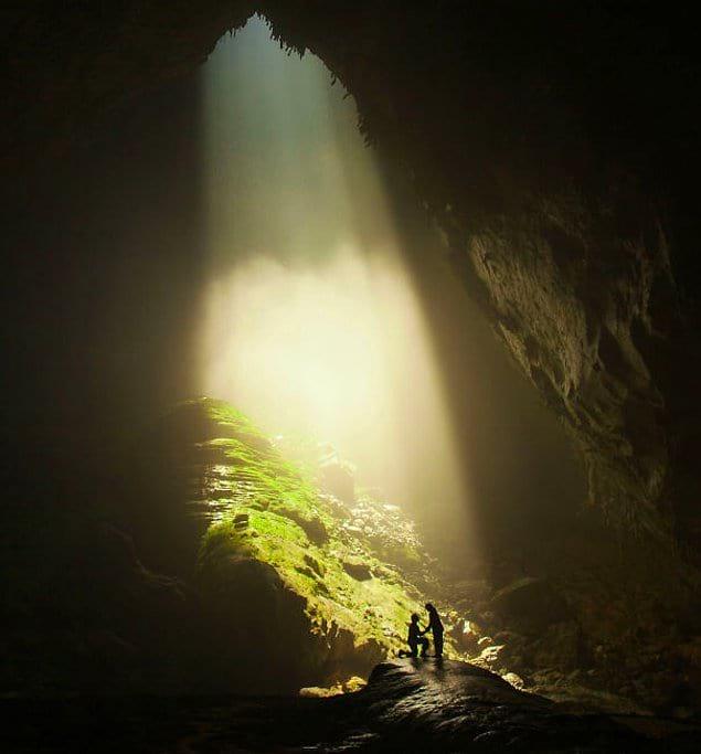 Позвать замуж в самой большой пещере мира.
