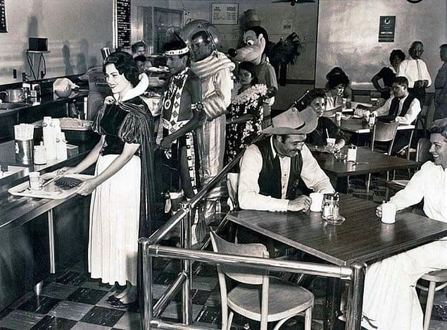 Столовая работников Диснейленда, 1961 год