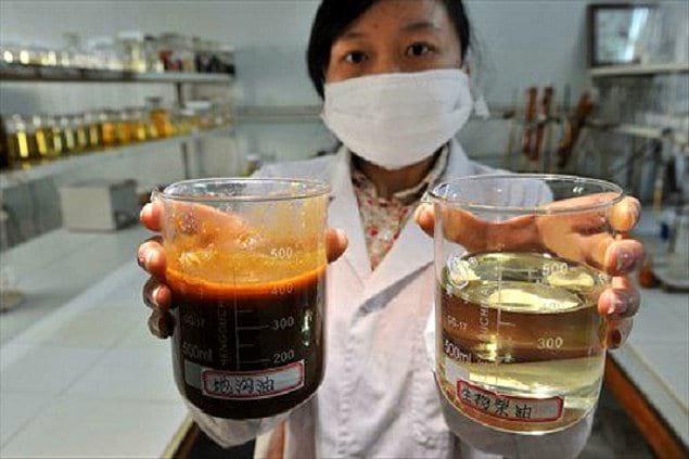 Некоторые китайские компании пищевой промышленности были пойманы на том, что делали тофу с помощью масла из бытовых стоков и мариновали мясо в козьей моче.