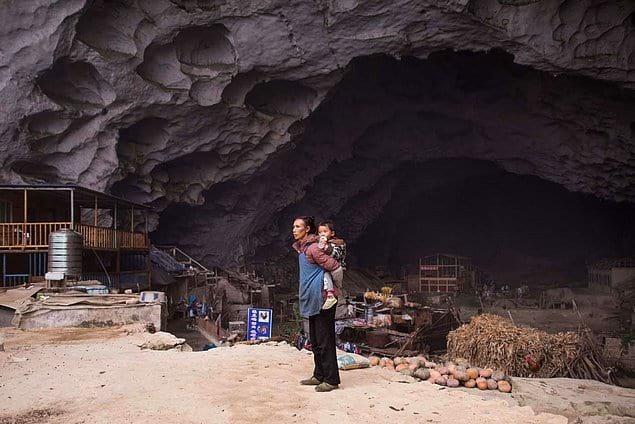 В Китае больше 35 млн людей все еще живут в пещерах.