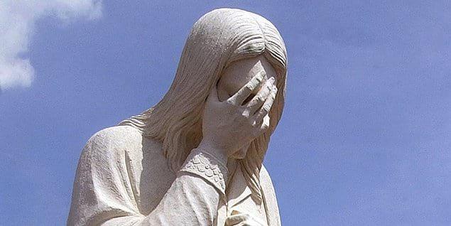 В Поднебесной есть секта, члены которой считают, что Иисус воплотился в тело женщины-китаянки, которую они называют Молния Денг.