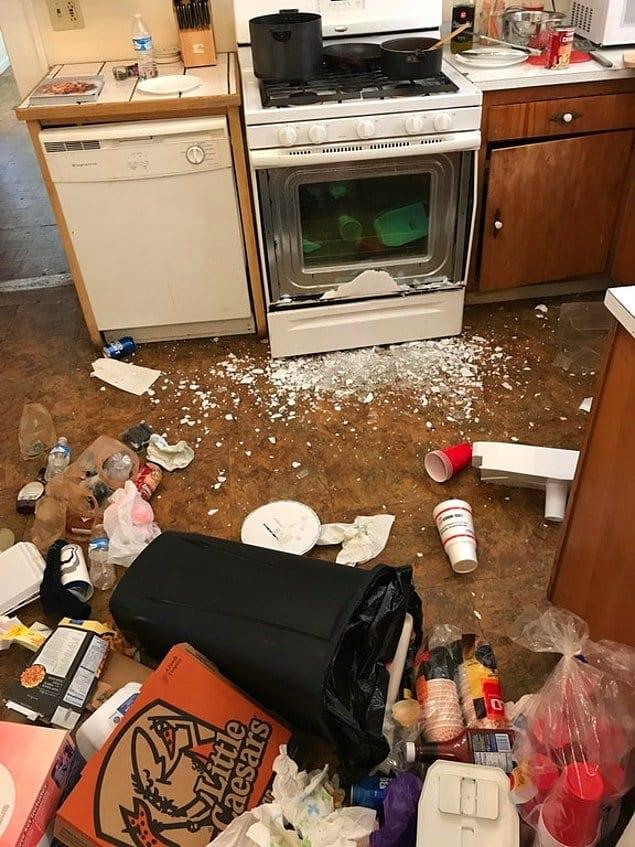 """""""Вчера в три часа ночи друг пытался сготовить себе поесть. Как видите, он был пьян в доску"""""""