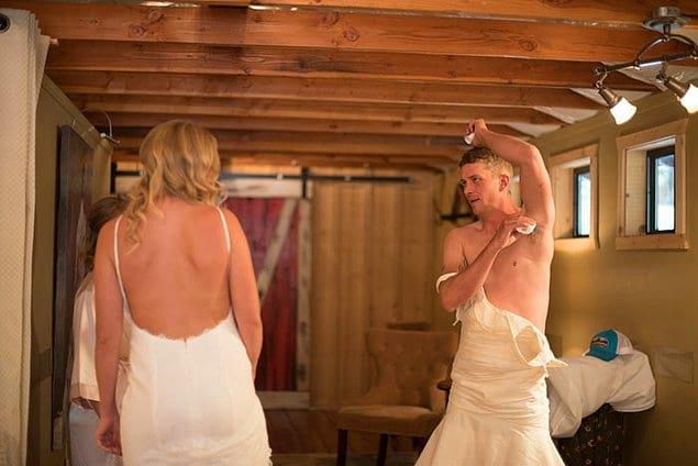 Они одели брата Хайди, Эрика, в старое свадебное платье