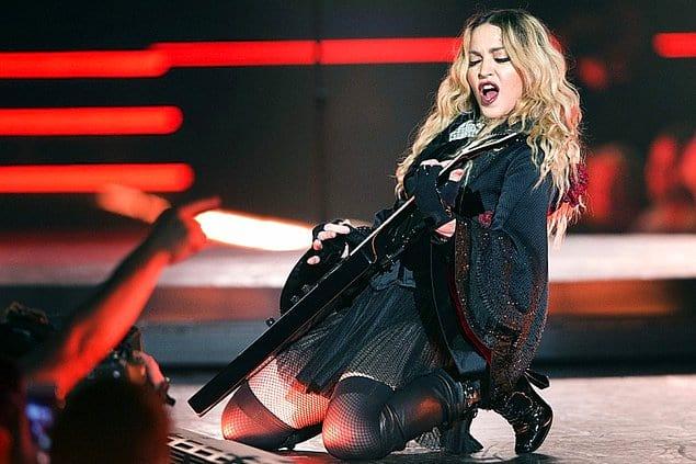 Альбомы Мадонны оказывались на вершинах британских хит-парадов чаще, чем у других женщин-исполнительниц.
