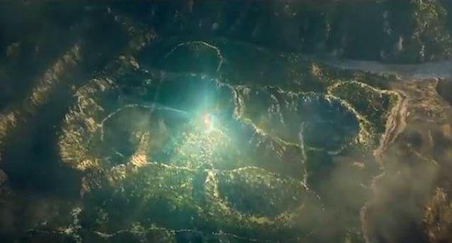 """""""Джуманджи: Зов джунглей"""": когда камера удаляется в конце фильма, можно увидеть, что джунгли напоминают игровое поле из оригинального фильма."""