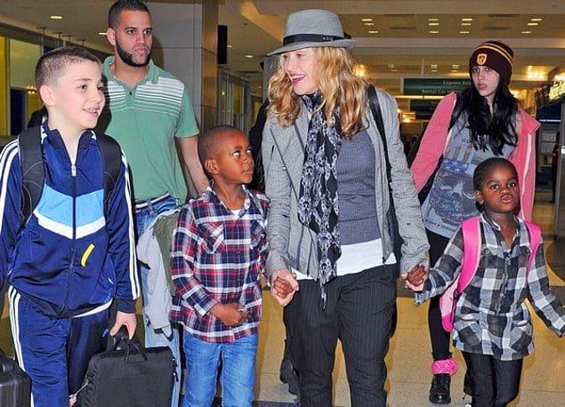 Кроме этого Мадонна усыновила троих девочек и одного мальчика.