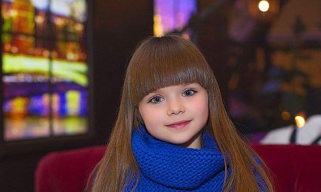 """Отметим, что, по версии британских СМИ, ранее статуса """"самой красивой девочки"""" удостоилась россиянка Анастасия Князева"""