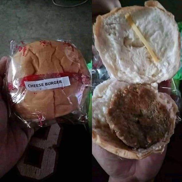 Того, кто готовит такие чизбургеры, уже ждет отдельный котел в аду