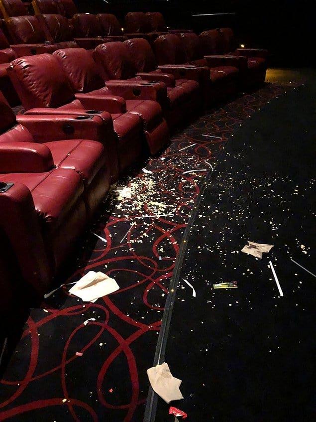 Тоже постоянно наблюдаете такое после просмотра фильма? Кто бы мог подумать, что и свиньи любят ходить в кино