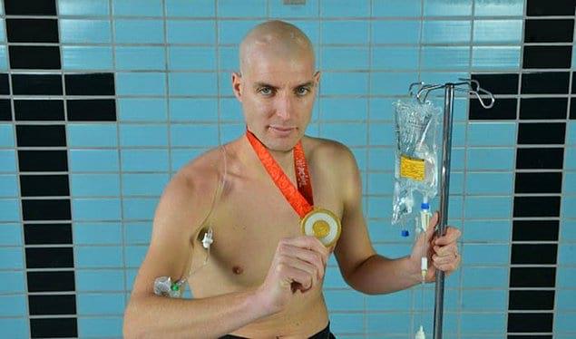 Всего в 19 лет у спортсмена диагностировали рак.