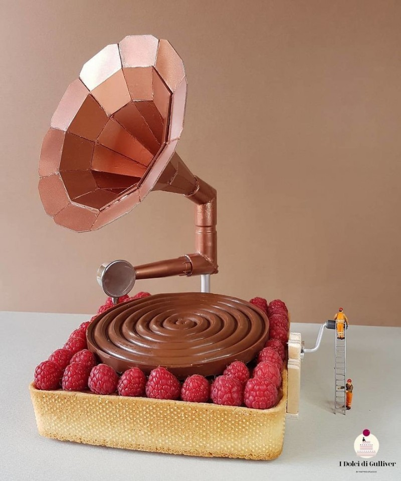 Кондитер превращает свои десерты в миниатюрные миры, которые жалко есть