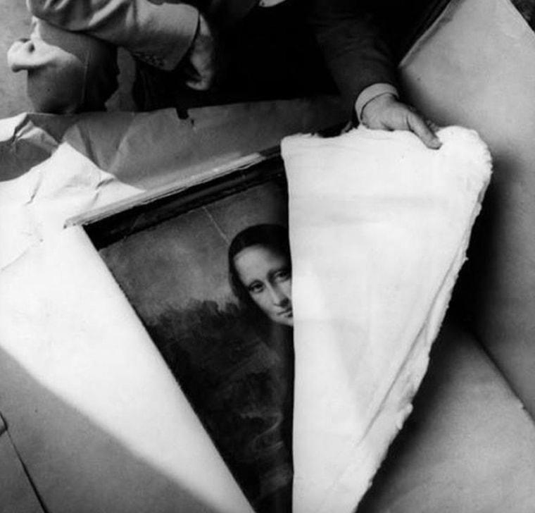 20 редких исторических фотографий, которые позволяют заглянуть за занавес прошлого