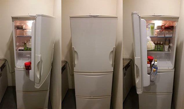 А вот дверца этого холодильника и вовсе открывается в обе стороны 😳