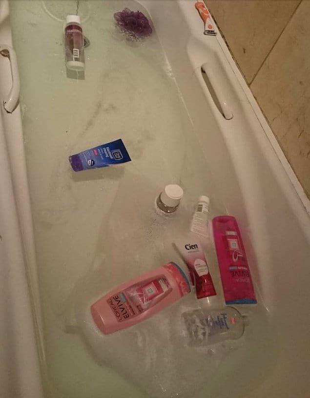 """""""Дорогой, набери мне горячую ванну с пеной"""". """"С удовольствием, любимая!"""""""