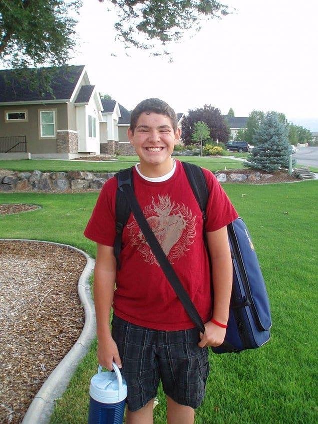 Итак, 16-летний Рейн Прайс попросил отца не махать ему перед школьным автобусом.