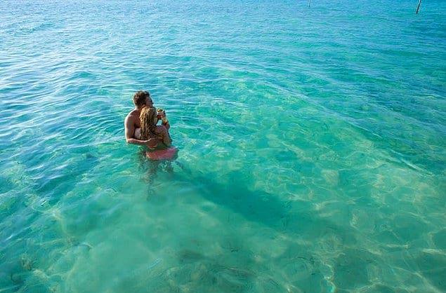 Коко Плам, избранный элитой остров, предпочитают в основном новоиспечённые пары и молодожёны.