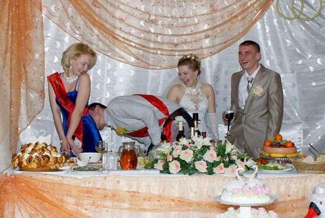 На свадьбе можно позволить себе любые шалости!