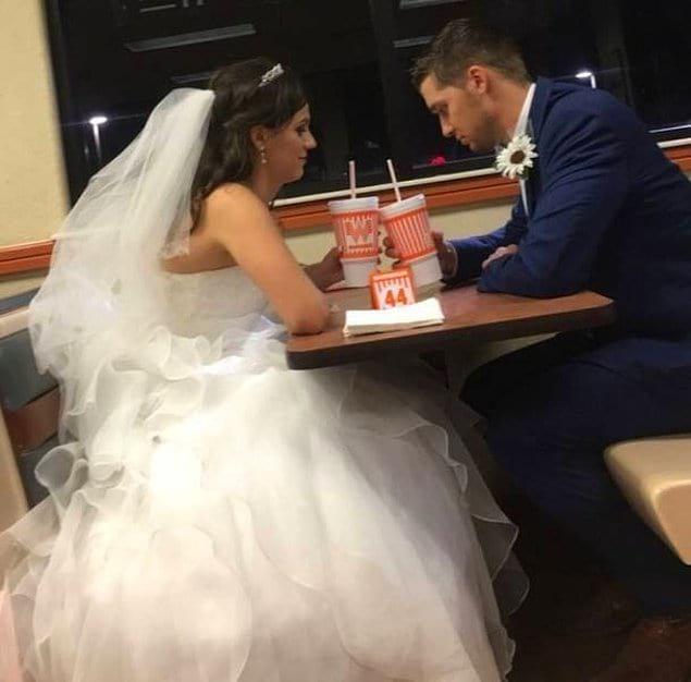 Свадьба в узком кругу. В очень узком кругу...