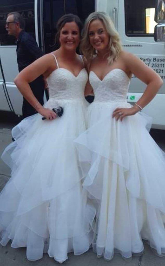"""""""В день свадьбы моей лучшей подруги нам встретилась еще одна невеста с точно таким же платьем, как у нее!"""""""