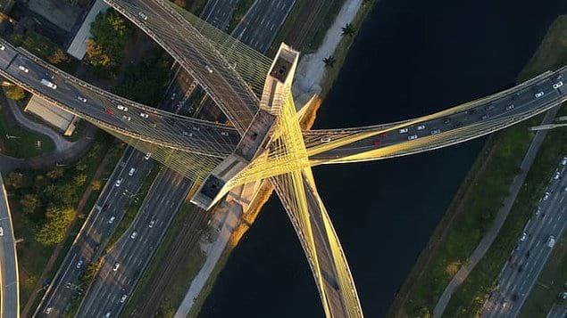 "Вантовый мост ""Октавио Фриас де Оливейра"" в Сан-Паулу, Бразилия."