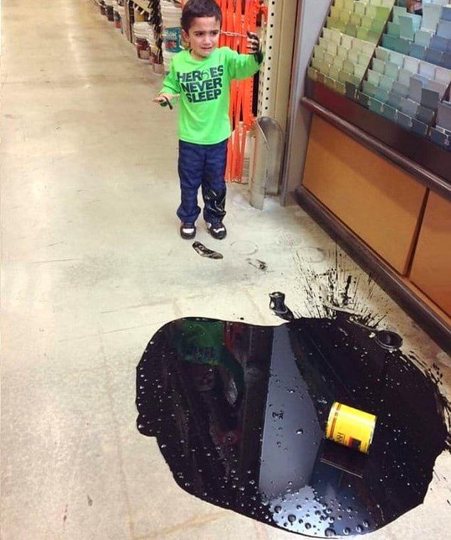 Все еще думаете, что брать ребенка в строительный магазин — хорошая идея?