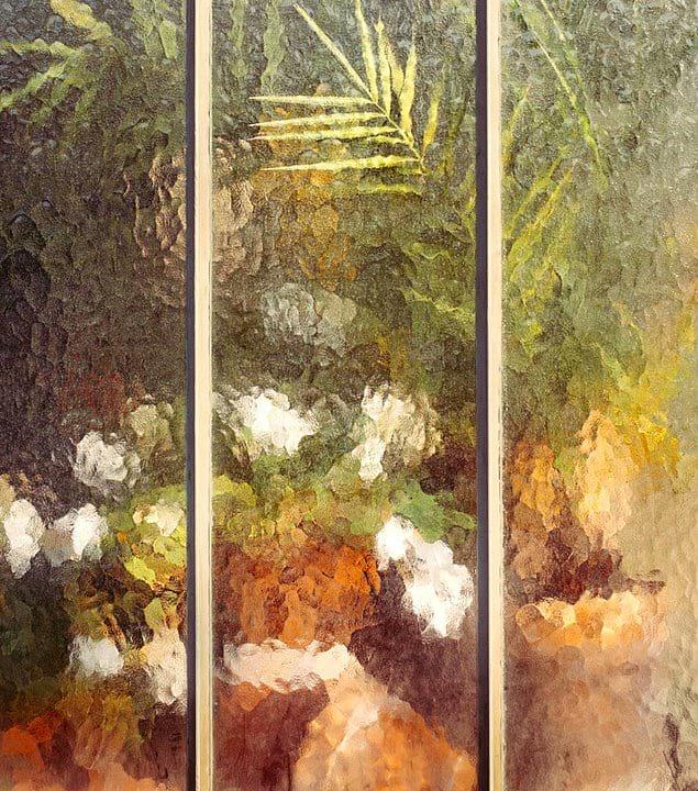 Думаете, это какая-то картина? Нет, это всего лишь растения за стеклом теплицы!