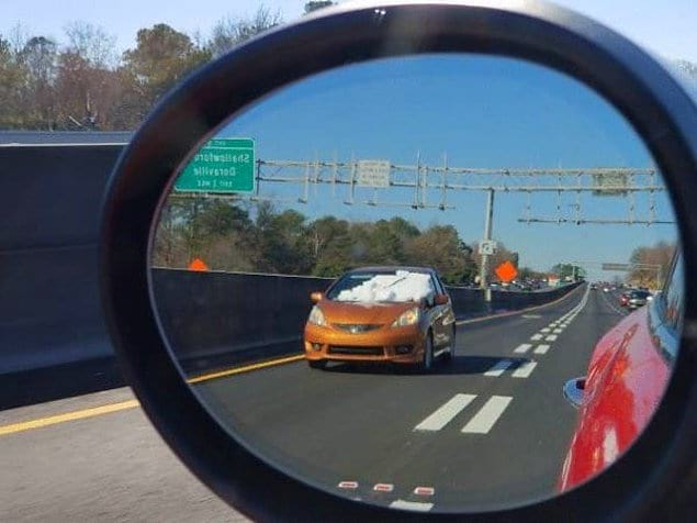 Если даже водитель этой машины поедет с закрытыми глазами, ничего особо не поменяется