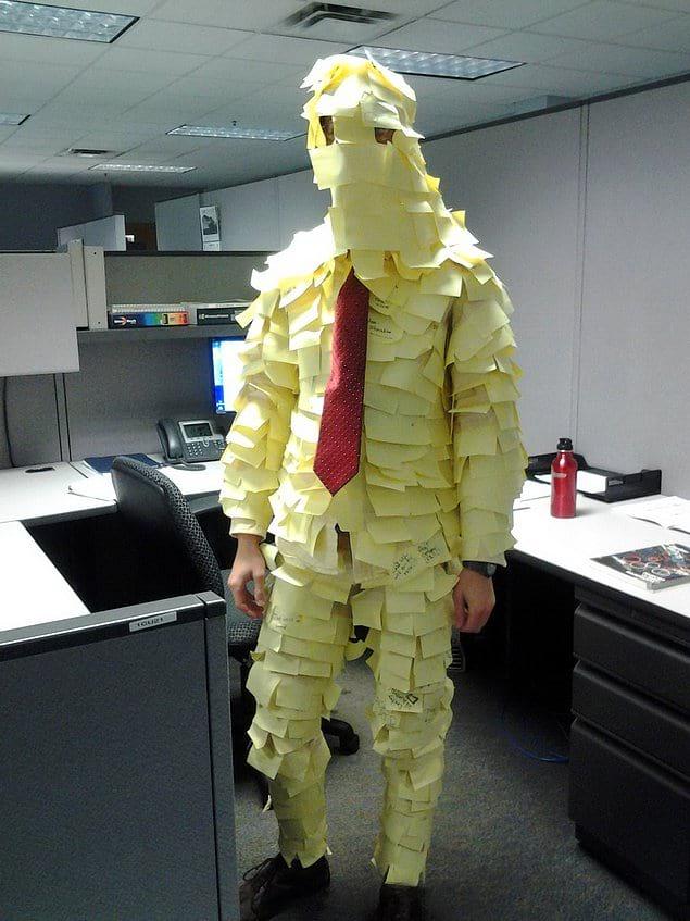На месте его начальника я бы внимательнее присмотрелся к обязанностям этого парня и его работе