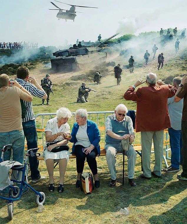 Немецкий фотограф - Артур Мебиус - создаёт великолепные фотоснимки, в которых стремиться показать одновременно прошлое, настоящее и будущее.