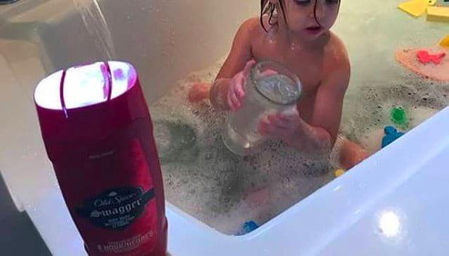 Пена для ванн закончилась, и он использовал вместо этого Old Spice