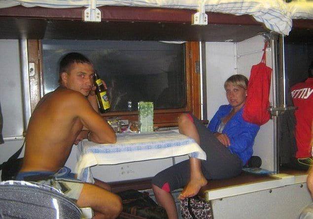 Романические вечера в поездах - они такие... ❤️