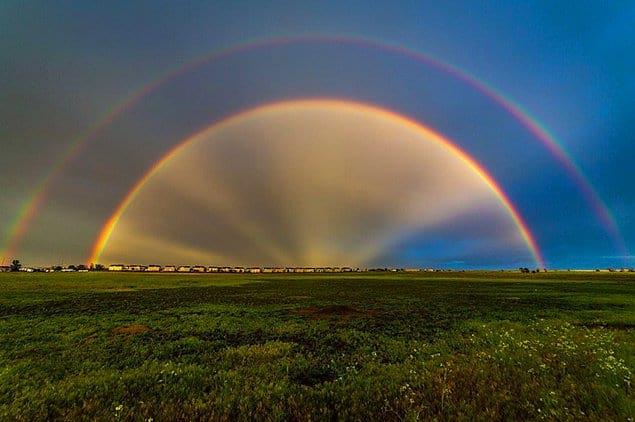 Такую радугу уж точно можно было увидеть только в фантастических фильмах!