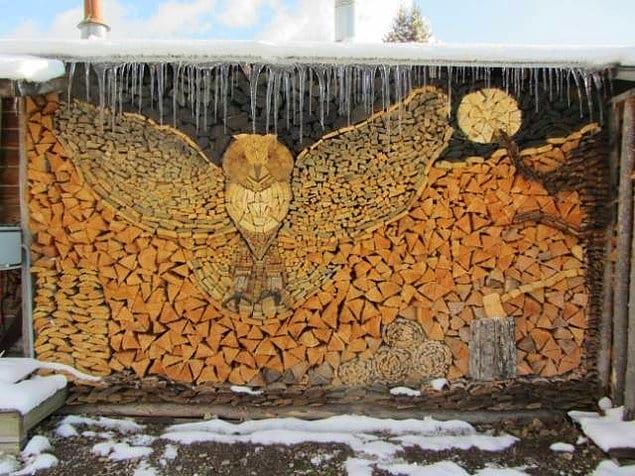 Даже дрова можно уложить с фантазией