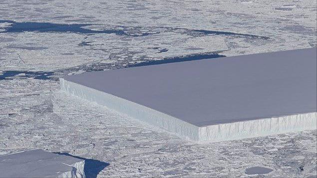 Когда НАСА опубликовала фотографию отколовшейся части айсберга Ларсен С на Антарктическом полуострове, это вопрос возник у многих...