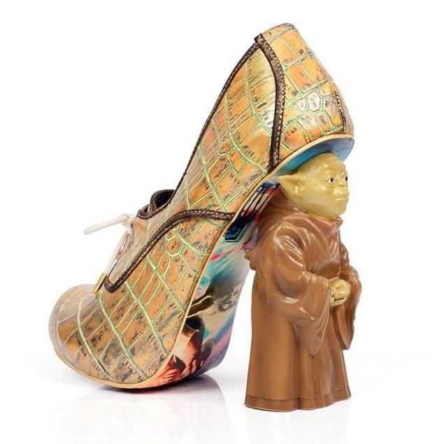 Купить вам нужно туфли такие