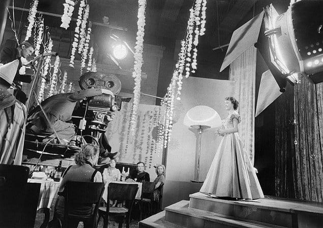 Съемки фильма «Карнавальная ночь», дебютной картины Эльдара Рязанова.
