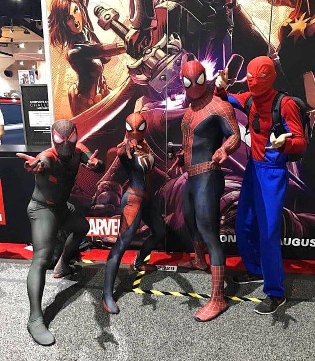 «Я попросил трех Человеков-пауков в классных костюмах попозировать для фото, и тут в кадр влез элегантный джентельмен слева».