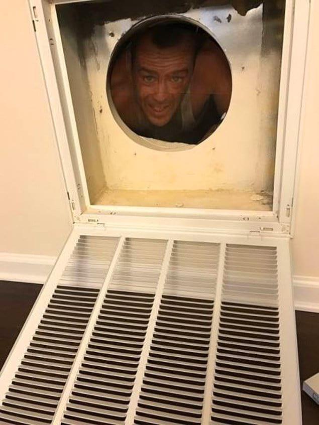 """""""Завтра я попрошу его прочистить вентиляцию. Хехехех"""""""