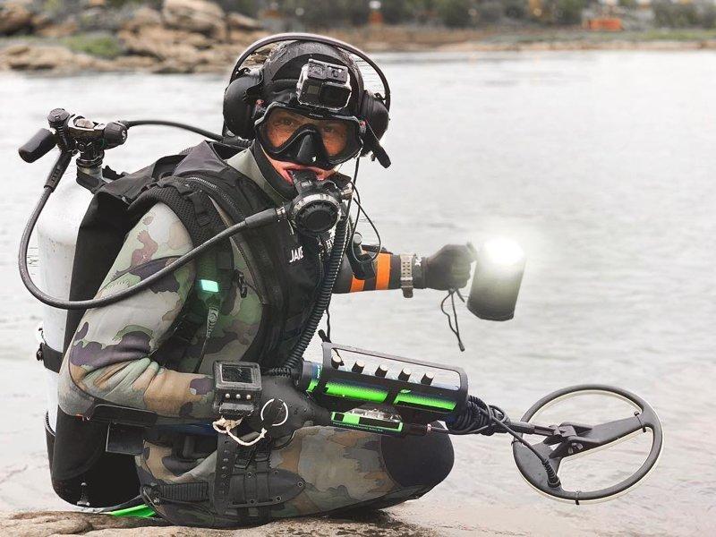 15 удивительных находок, которые этот парень поднял со дна морского