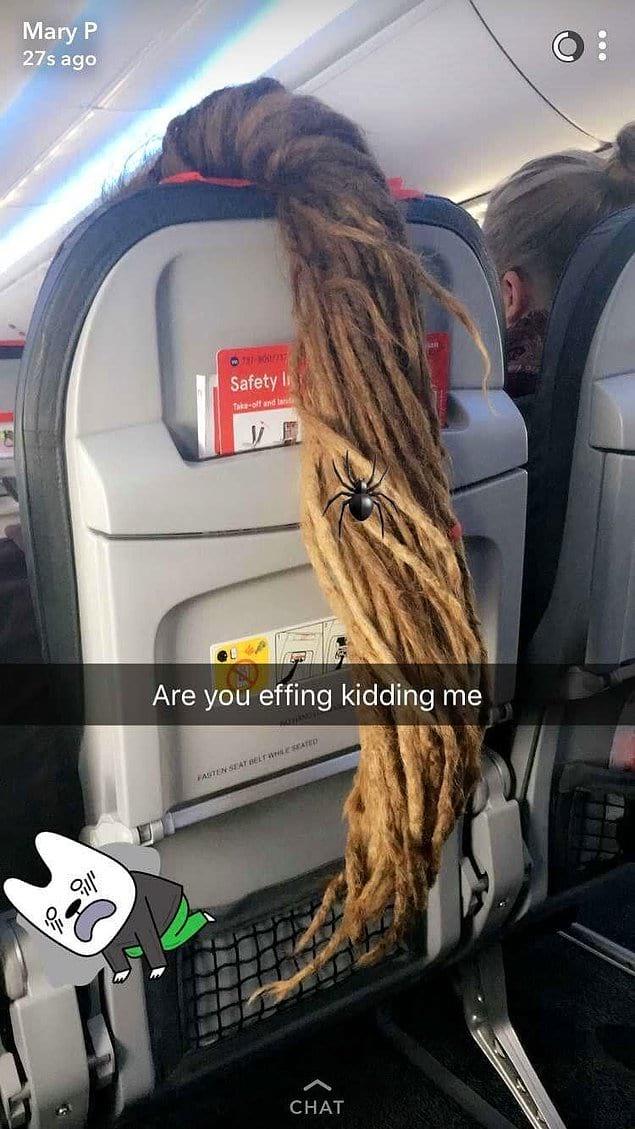 Этой Рапунцель с дредами стоит держать свои волосы при себе