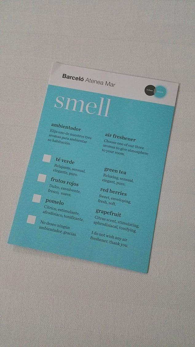 Гостям предлагается выбрать аромат для номера.