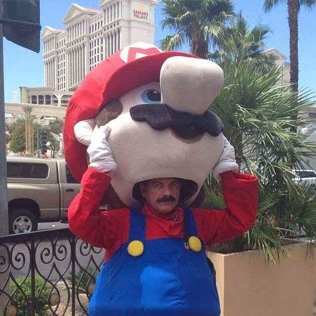 Марио... внутри Марио? Это итальянская матрешка какая-то?