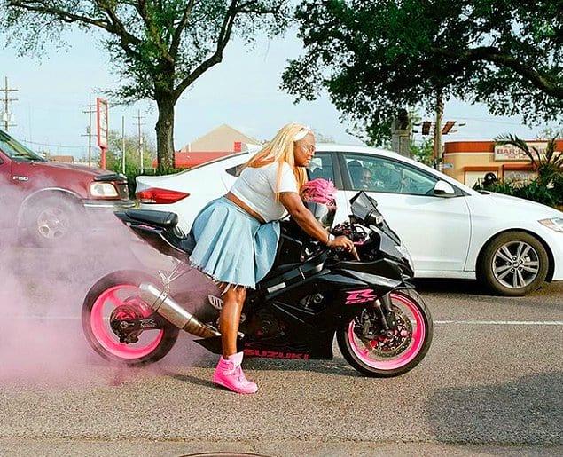 Накоша Смит - основательница исключительно женского клуба любителей мотоциклов.