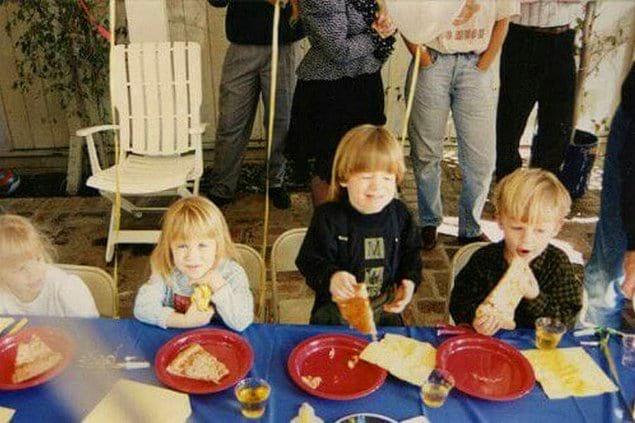 «Никто не верил, что Мэри-Кейт и Эшли Олсен дружили со мной и моим братом-близнецом, пока я не нашел снимок с детсада»
