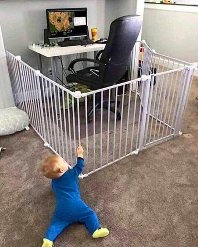 Обезопасить свое рабочее место от детей? Легко!